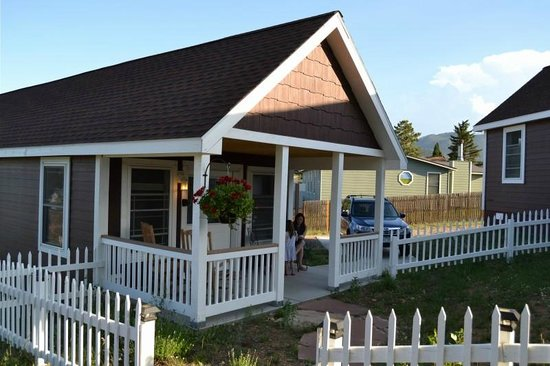 River Rock Cottages : Front Porch