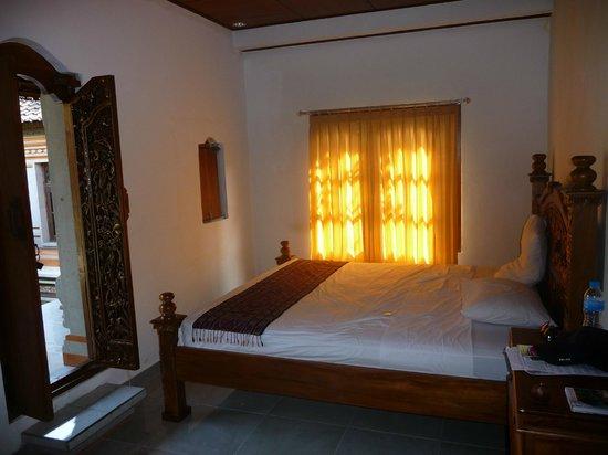 Dewi Antara Homestay: Our Spacious Room