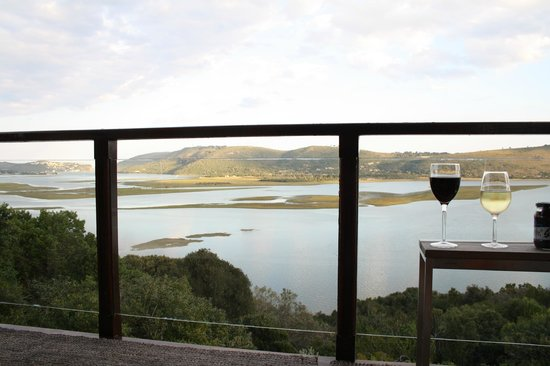 Kanonkop Guest House: Balcony & view of Knysna lagoon from paradise Suite