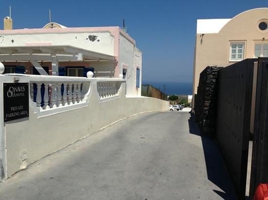 Oia's Houses: And here is the car park sign