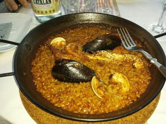 Restaurante La Botiga Arenas : paella