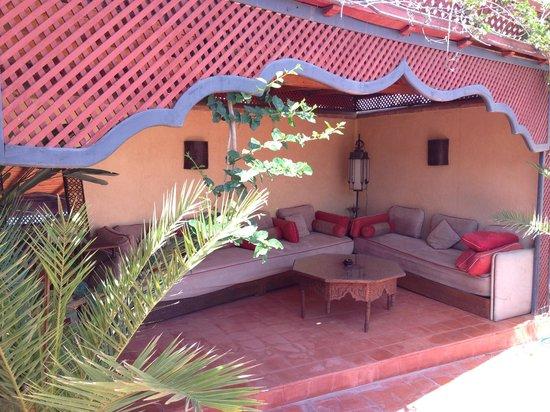 Riad Dar Zaya: the sun terrace on the roof