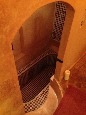 Riad Dar Zaya: our sunken bath