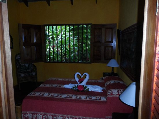 Hotel La Palapa Eco Lodge Resort: Bungalow bedroom
