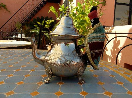Riad Alboraq : Thé à la menthe