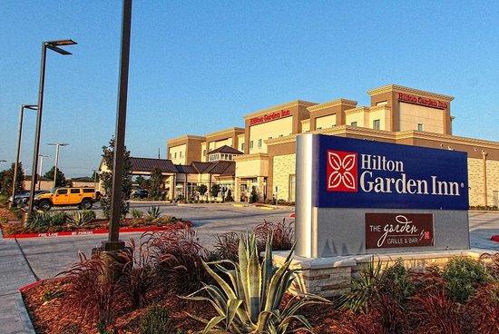 Swim Up Bar Picture Of Hilton Garden Inn Victoria Victoria Tripadvisor