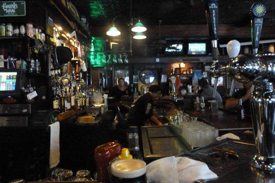 Finnegan's Wake Irish Pub: bar area