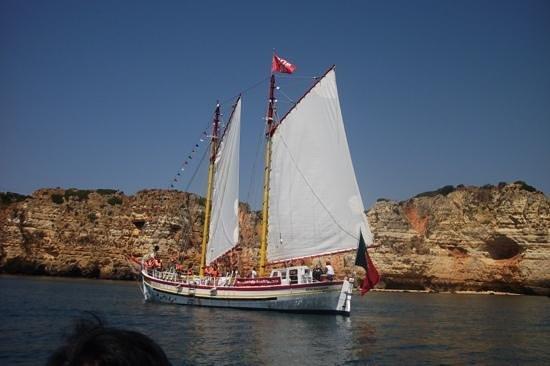Bom Dia Boats: the Bom Dia boat