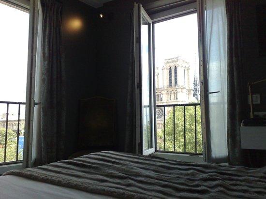 Hotel le Notre Dame: Lo que ves desde la cama cuando te despiertas