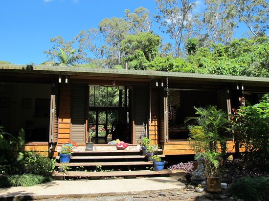 Cow Bay Homestay: the peaceful entryway