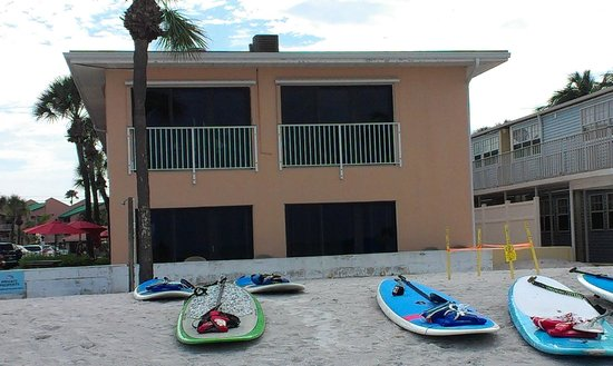 Gulf Beach Resort Motel : Motel from beach