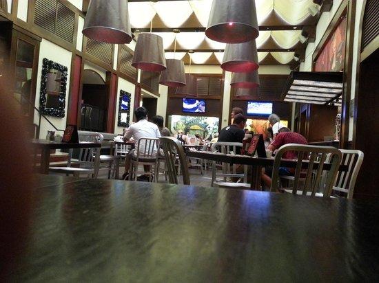 KGB Burgers : Dining area