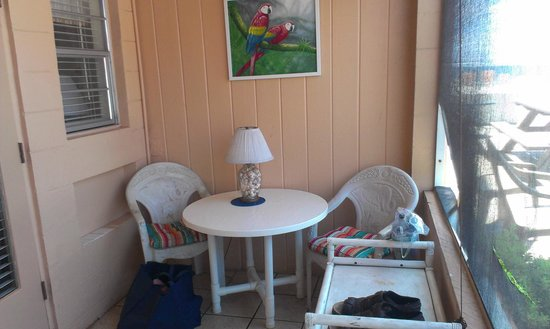 Gulf Beach Resort Motel : Screened porch of 308