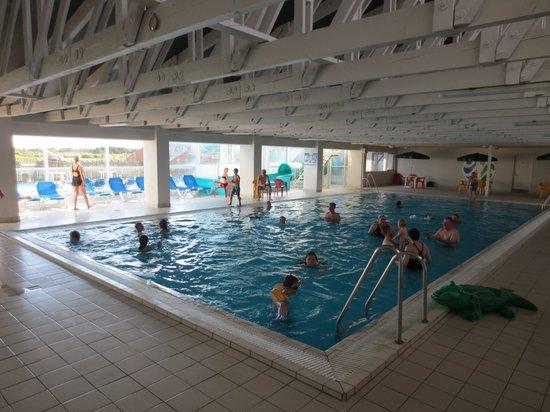 Dayz Gronhoj Strand Resort: basseng inne