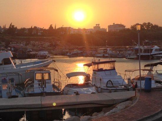 Pernera Beach Hotel: Sun set at the church harbour