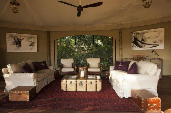 Great Plains Conservation Mara Plains Camp: Mara Plains Camp - Main lounge