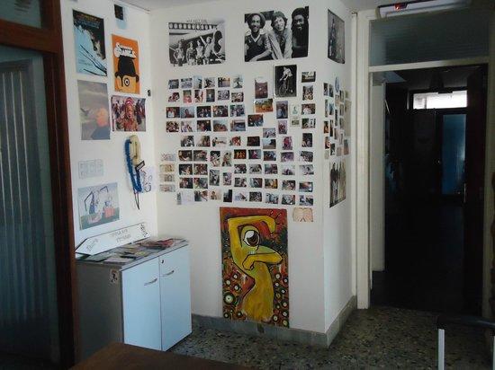 Sur Hostel: Sala do hostel