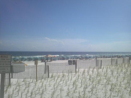 Hampton Inn Ft. Walton Beach : Couldn't ask for a more beautiful beach!