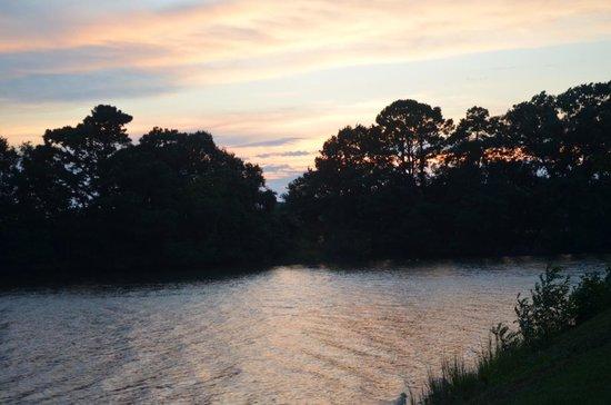 The Woodlawn Historic B&B : Sunset