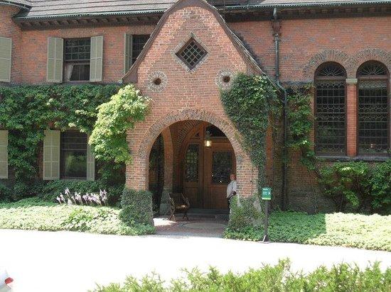 Naumkeag : Main entrance