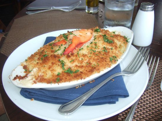 Atlantic Fish & Chop House: Yummy lobster mac & cheese with white truffle oil