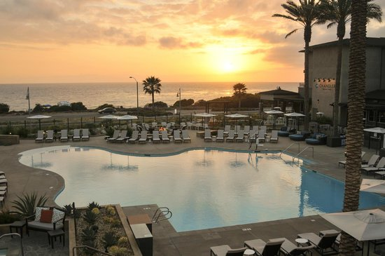 Cape Rey Carlsbad, a Hilton Resort: Sunset over pool