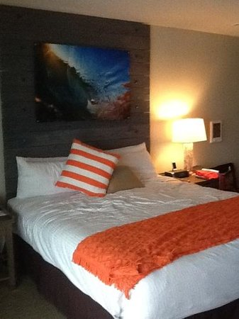 Pacific Edge Hotel on Laguna Beach: king size bed