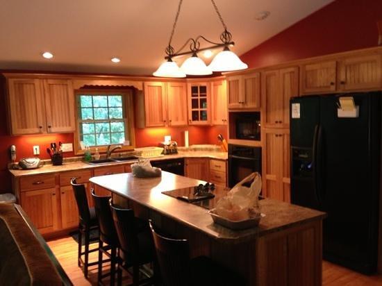 Ohio River Cabins : kitchen