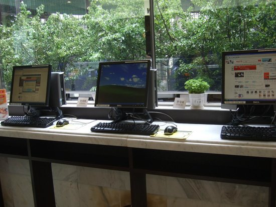 Toyoko Inn Busan Station 2 : フロントでパソコン(旧式)が無料で使える