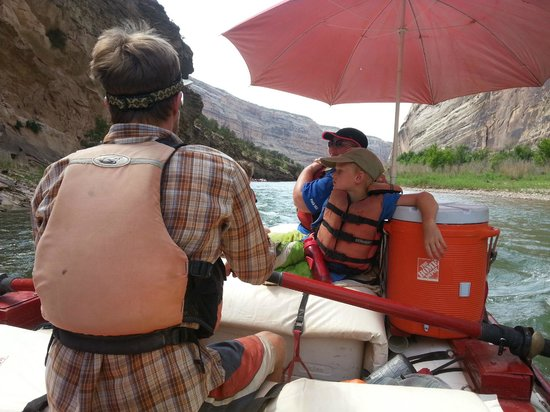 Holiday River Expeditions - Utah River Rafting : Rafting on the Green River Through Lodore Canyon / Dinosaur National Monument