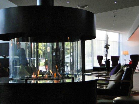 Courtyard Stockholm Kungsholmen: Hotel Lobby