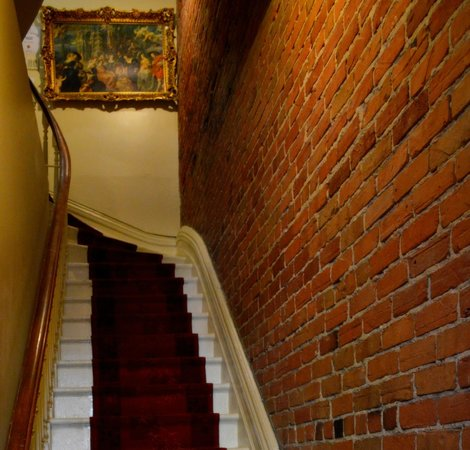 Hotel Montreal Espace Confort: Discover our Victorian Style