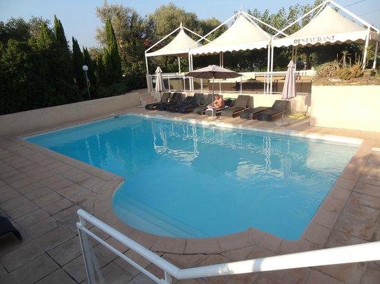 Hotel U Ricordu : piscine
