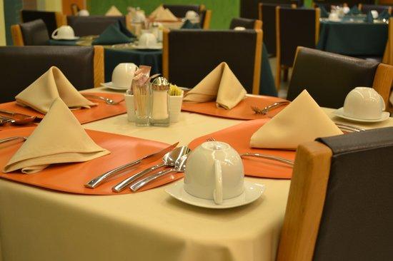 Hostalia Hotel: Restaurante Arboledas
