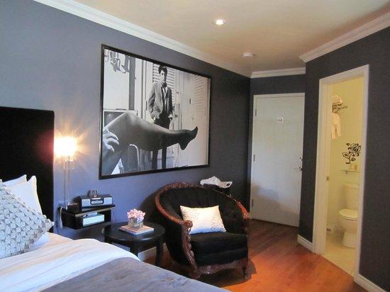 Manoir Becancourt: Chambre spacieuse et confortable