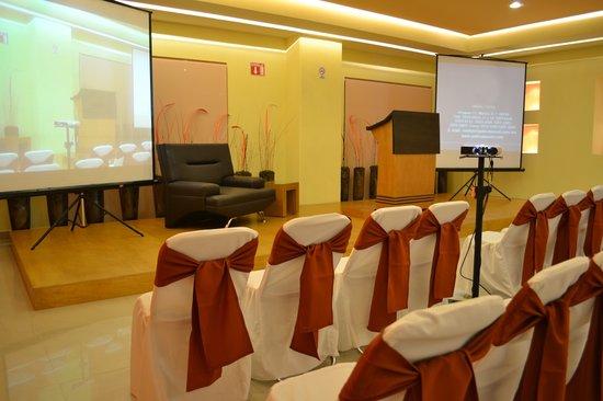Hostalia Hotel Expo & Business Class: Salon Milenio Montaje Auditorio