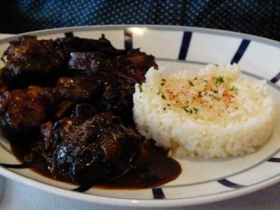 Hotel Euzkadi : Over cooked and salty cog au vin