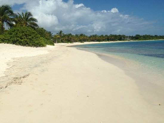 Jumby Bay, A Rosewood Resort: Pasture Bay beach