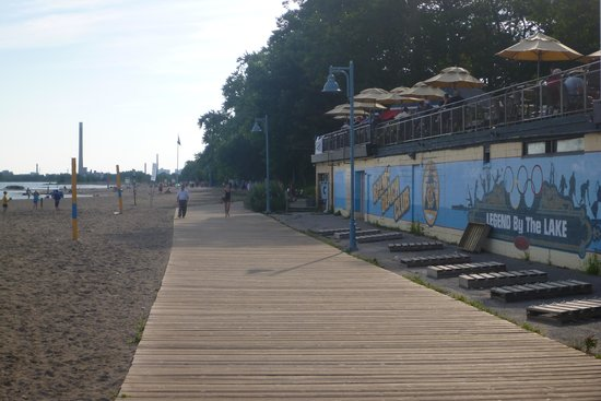 The Beach Village : the boardwalk