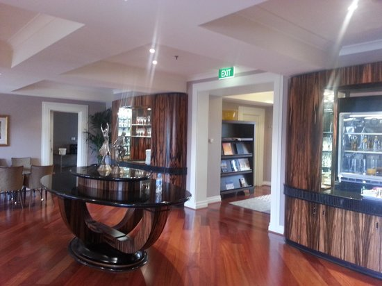 Hyatt Hotel Canberra: Ambassador Lounge