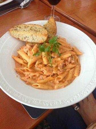 Sannox Bay Hotel  & Restaurant: Salmon Pasta