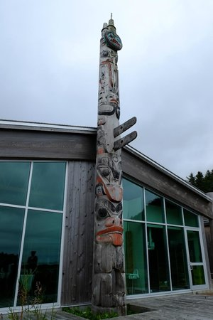 Haida Gwaii (Queen Charlotte Islands), Canadá: Totem pole, Haida Heritage Center