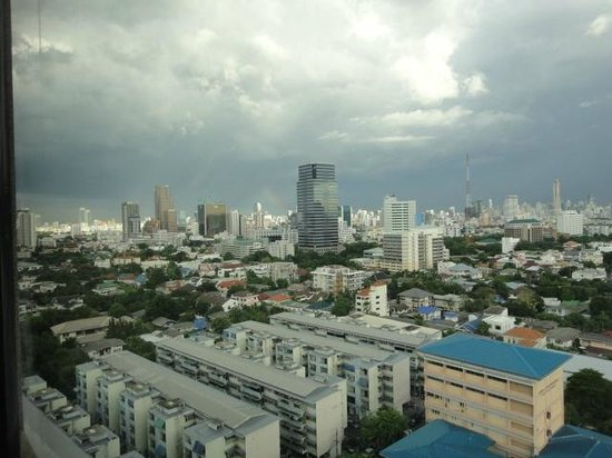 Grand Tower Inn Rama VI: City View