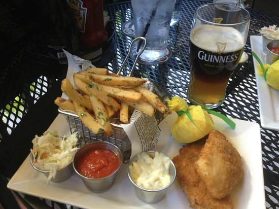 Nicholson's Tavern & Pub : Fish and Chips (cooked in duck fat) with Dark Side of the Moon (1/2 Guinness and Blue Moon)