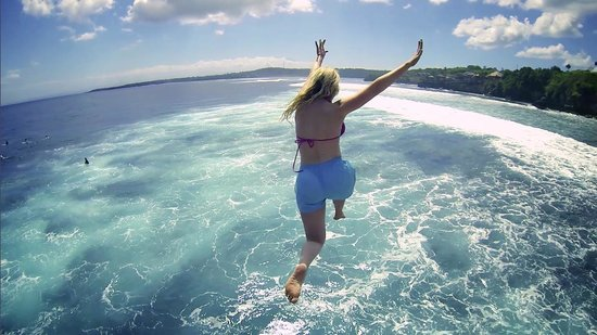 NEWbali: Cliff Jumping