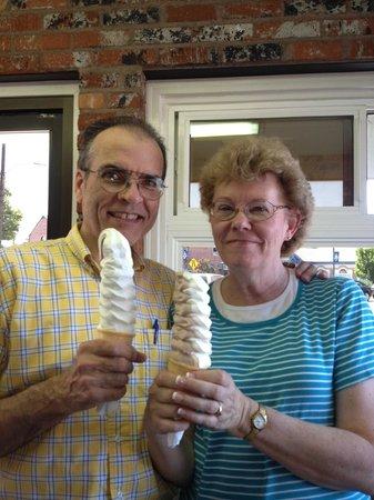 Hamburger Connection: Wonderful ice cream!
