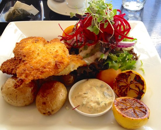 Lime Caffeteria: The Fish - Macadamia nut-crusted Dory with baby potatoes, homemade tartare, salad and grilled le