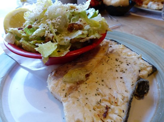 Dennis Point Cafe and Restaurant : Pan-fried halibut