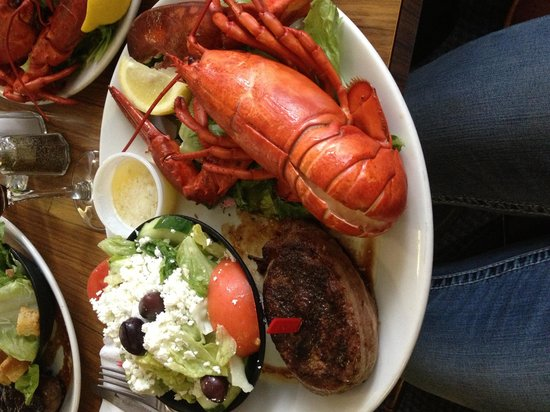 Mic Mac Bar & Grill: Steak and lobster