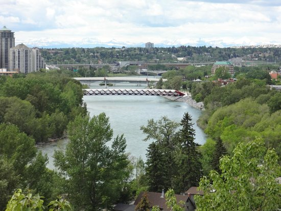 Mchugh Bluff Park Calgary Alberta Address Attraction